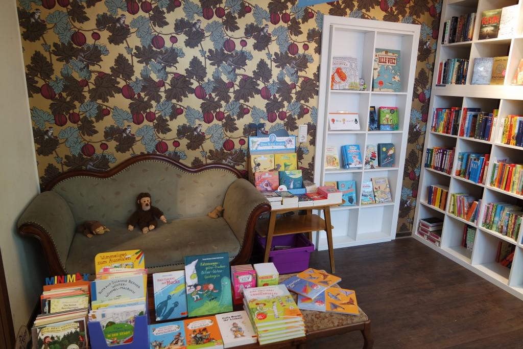 Gemütlich. Der Kinder- und Jugendbuchbereich im Bukafski