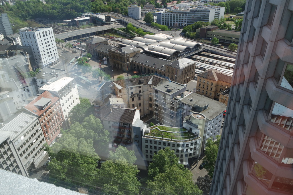 Spektakuläre Aussicht aus dem 22. Stock des Bonifazius-Turms