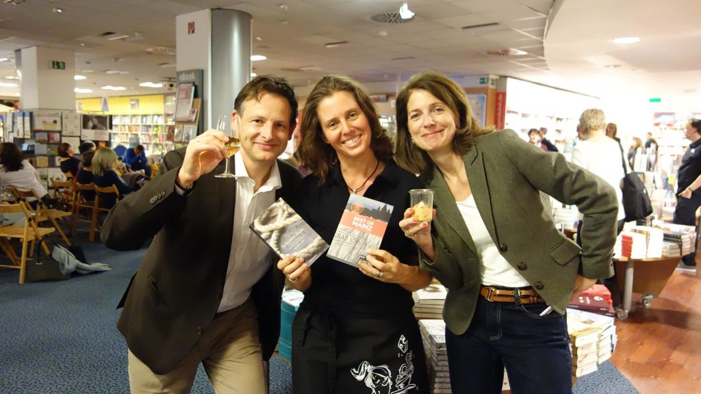 "Peter Jackob, Astrid Michel und Stefanie Jung ""in Action"" bei der Buchhandlung Hugendubel in Mainz"