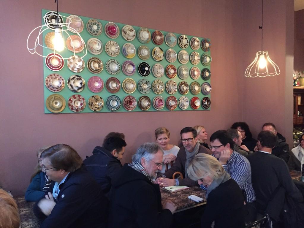 Im Café dicke lilli - gutes Kind waren Plätze exklusiv für die Gruppe reserviert und gab es frische Brownies.